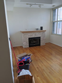 Picture 2 of 2 bedroom Condo in Chicago