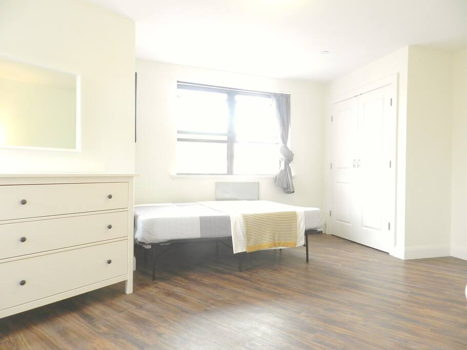 Picture 17 of 3 bedroom Apartment in Queens