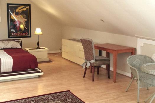 Picture 3 of 2 bedroom Apartment in Berkeley