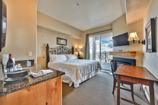 Picture 3 of 2 bedroom Condo in Park City
