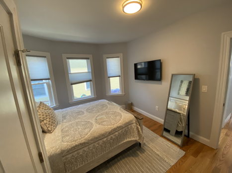 Picture 5 of 3 bedroom Condo in Boston