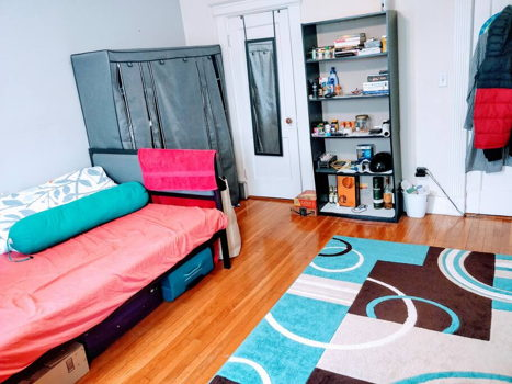 Picture 2 of 3 bedroom Apartment in Boston