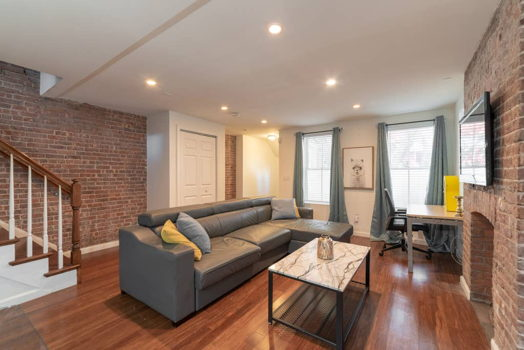 Picture 3 of 3 bedroom Apartment in Jersey City