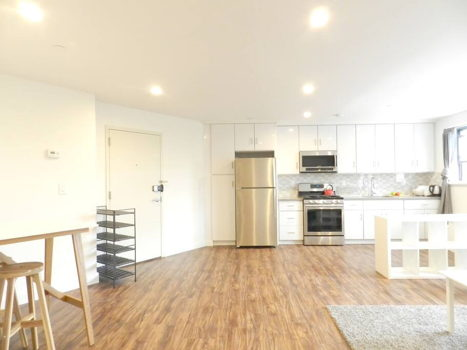 Picture 3 of 3 bedroom Apartment in Queens