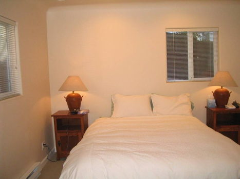 Picture 3 of 2 bedroom Townhouse in Palo Alto