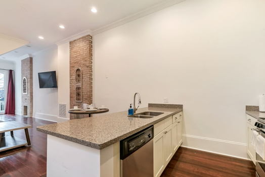 Picture 7 of 2 bedroom Condo in New Orleans