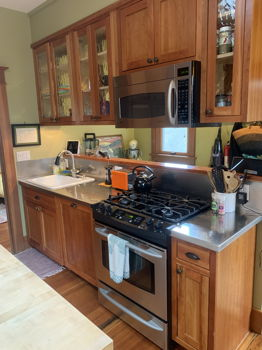 Picture 8 of 2 bedroom House in Seattle