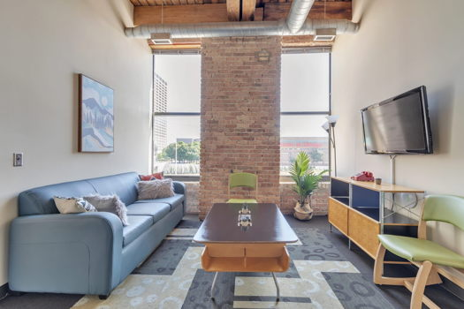 Picture 1 of 2 bedroom Apartment in Chicago