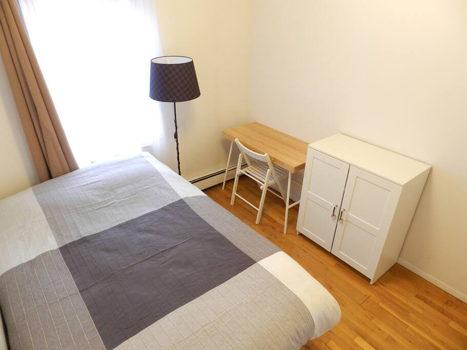 Picture 51 of 3 bedroom Apartment in Queens