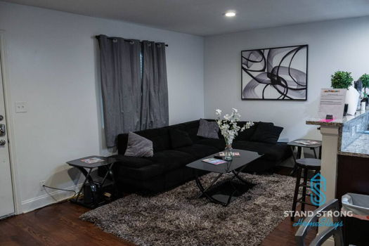 Picture 4 of 3 bedroom Apartment in Dallas