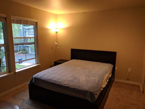 Picture 1 of 3 bedroom Townhouse in Kirkland