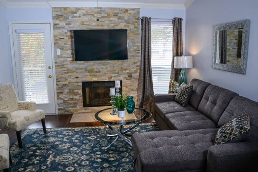 Picture 2 of 2 bedroom Condo in Irving
