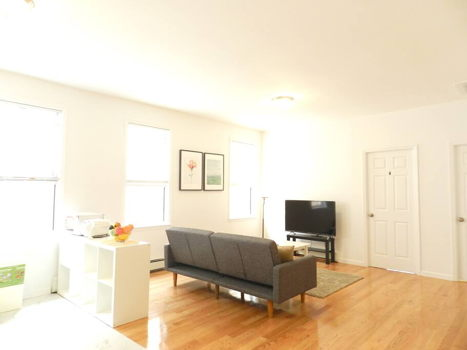 Picture 6 of 4 bedroom Apartment in Queens