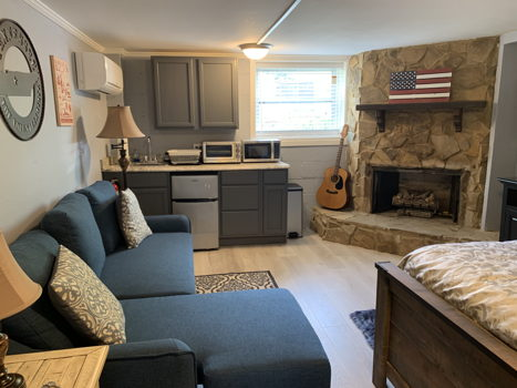 Picture 4 of 1 bedroom House in Nashville