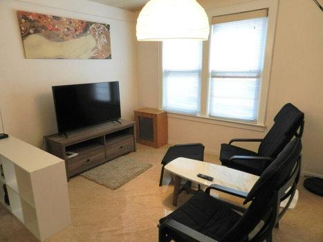Picture 9 of 3 bedroom Apartment in Queens