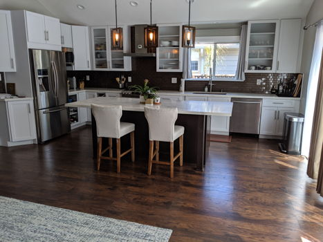 Picture 1 of 4 bedroom House in Redwood City