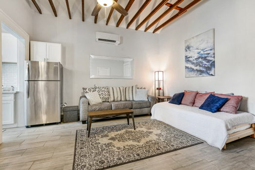 Picture 2 of 1 bedroom Apartment in New Orleans