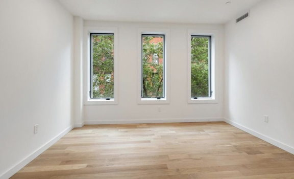 Picture 3 of 5 bedroom Flat in New York