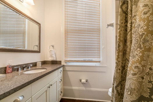 Picture 6 of 2 bedroom Condo in New Orleans