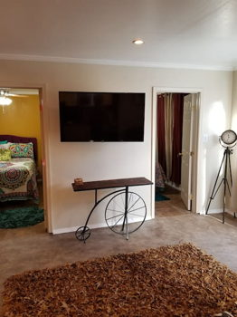 Picture 2 of 2 bedroom Guest house in Los Angeles
