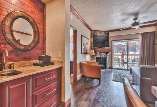 Picture 2 of 2 bedroom Condo in Park City