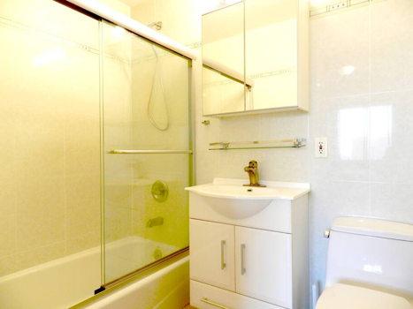 Picture 27 of 3 bedroom Condo in Queens
