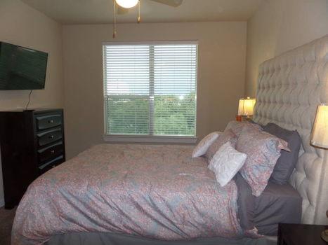 Picture 3 of 2 bedroom House in San Antonio