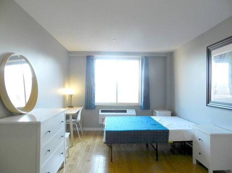 Picture 28 of 3 bedroom Condo in Queens