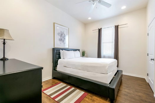 Picture 11 of 3 bedroom Condo in New Orleans