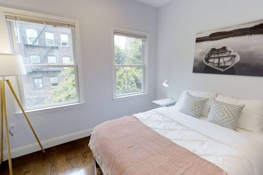 Picture 2 of 5 bedroom Apartment in Jersey City