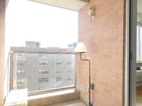 Picture 15 of 3 bedroom Condo in Queens