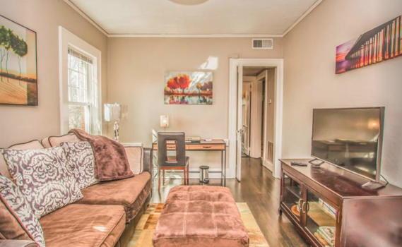 Picture 3 of 2 bedroom Apartment in Atlanta