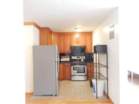 Picture 6 of 3 bedroom Apartment in Queens