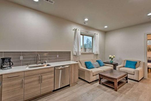 Picture 3 of 4 bedroom Flat in Kirkland