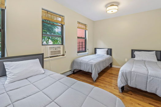 Picture 5 of 4 bedroom Townhouse in Brooklyn