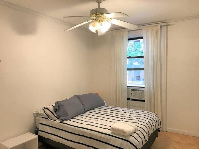 Bedroom 1il9iq photo thumbnail