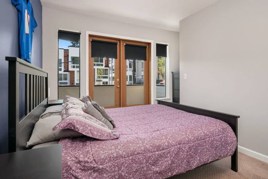 Picture 7 of 2 bedroom Condo in Seattle