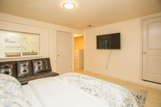 Picture 2 of 1 bedroom House in San Bruno