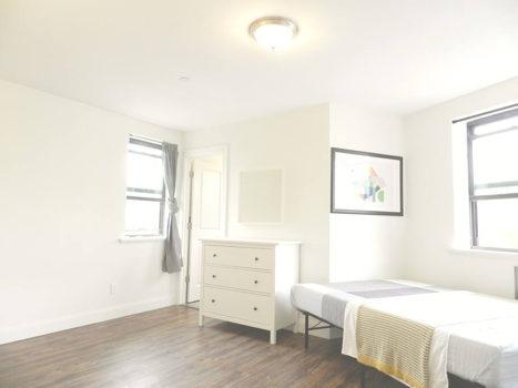 Picture 10 of 3 bedroom Apartment in Queens