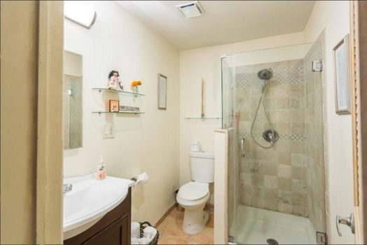 Picture 11 of 1 bedroom Apartment in Los Angeles