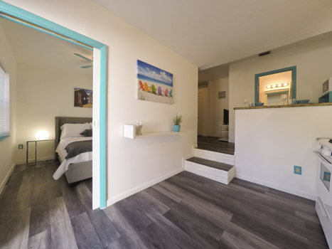 Picture 7 of 1 bedroom Apartment in Hollywood
