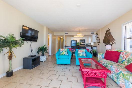 Picture 3 of 3 bedroom Condo in Orange Beach