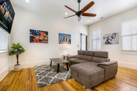 Picture 5 of 3 bedroom Condo in New Orleans