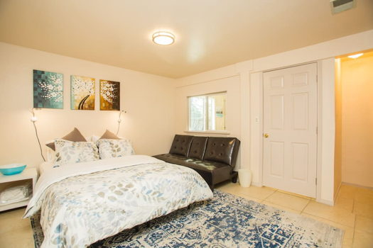 Picture 1 of 1 bedroom House in San Bruno