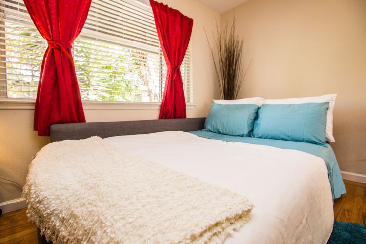 Picture 3 of 1 bedroom Apartment in Mountain View